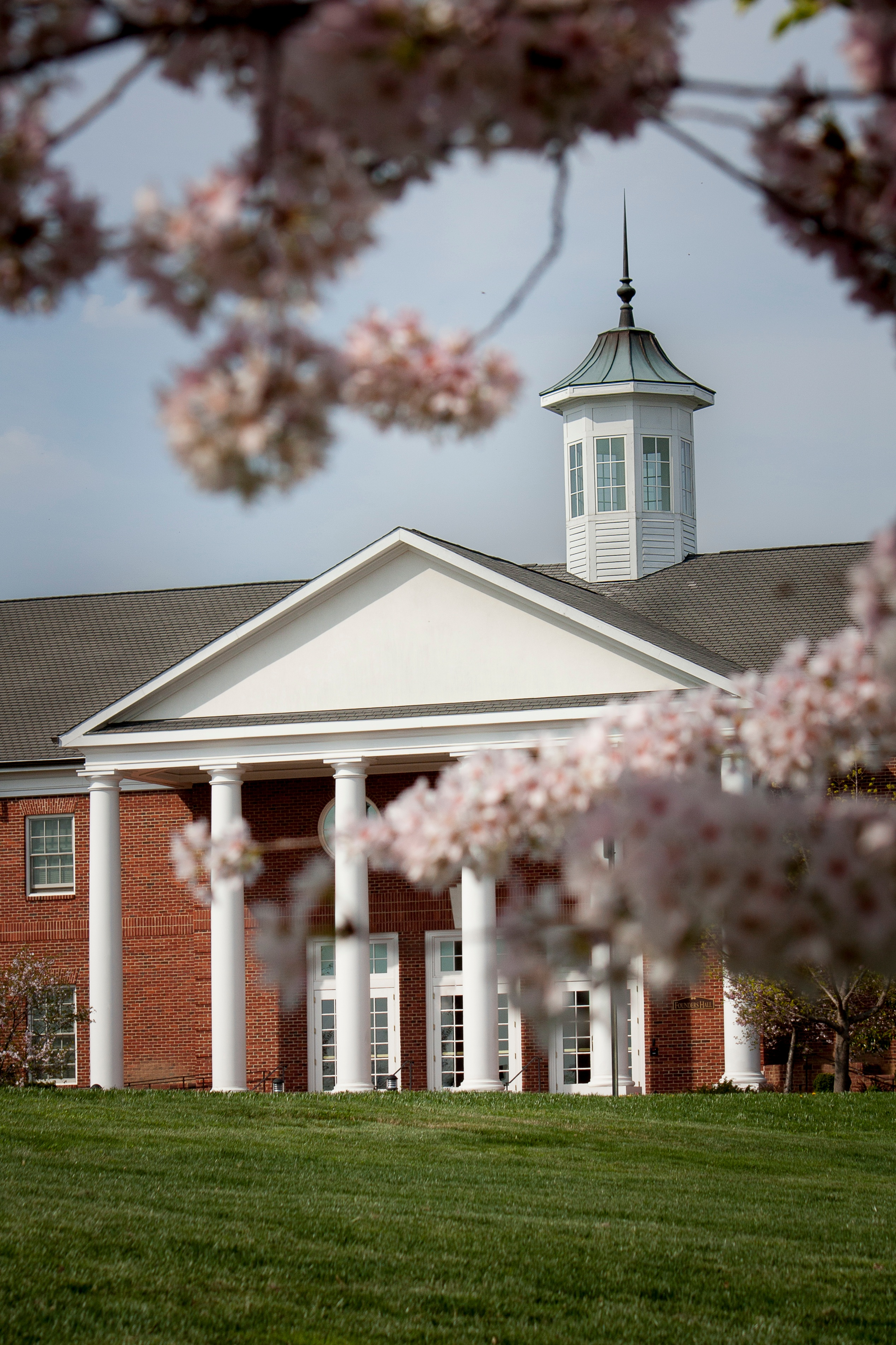 Patrick Henry College Founders Hall