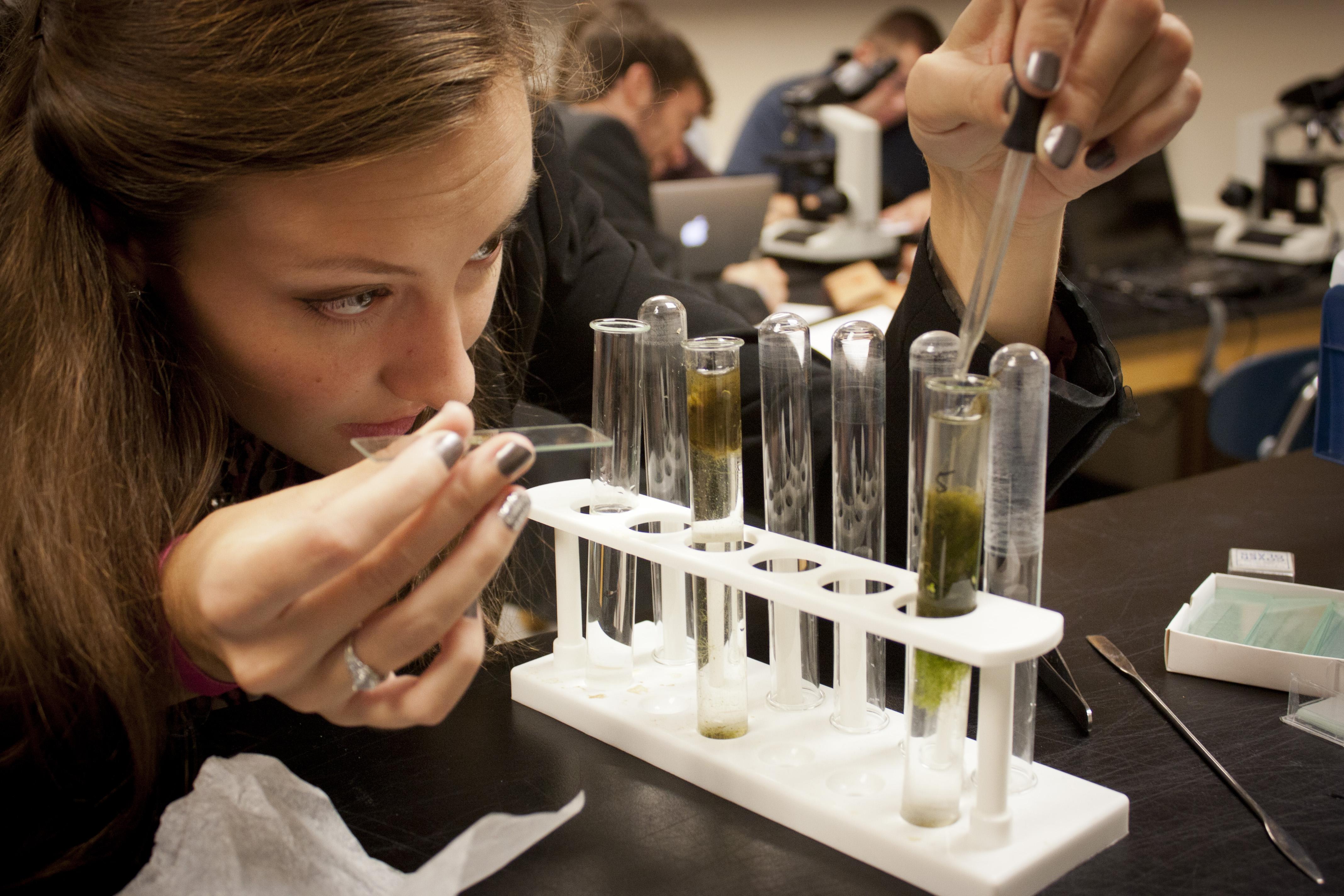 Patrick Henry College biology lab