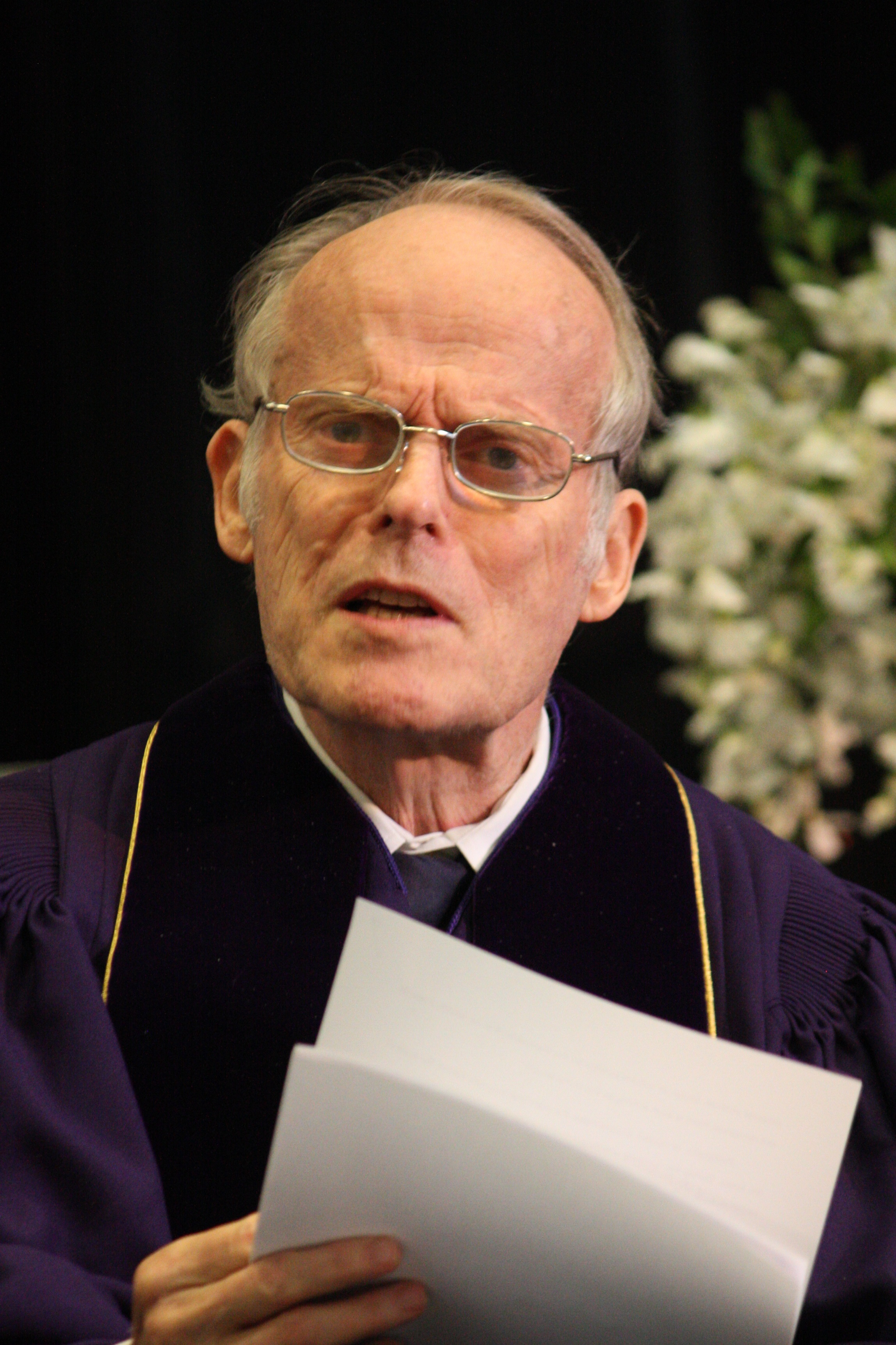 Dr. David Aikman speaks at Patrick Henry College (PHC) commencement