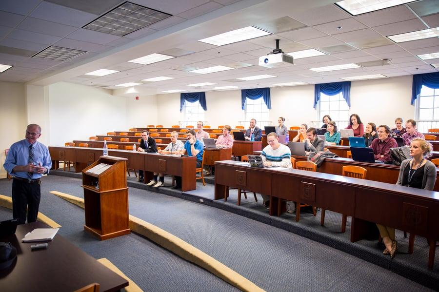 Dr Michael Haynes Teaching Classroom Oct 2016 (2)