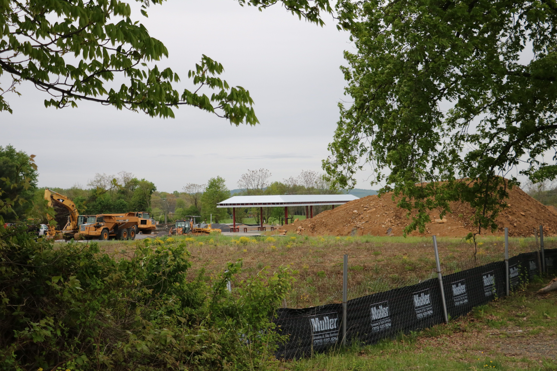 Purcellville's Catoctin Corner shops under construction