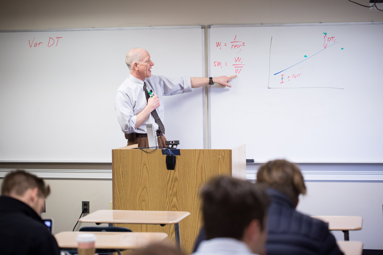 Michael Kucks Teaching Classroom 2017-4.jpg