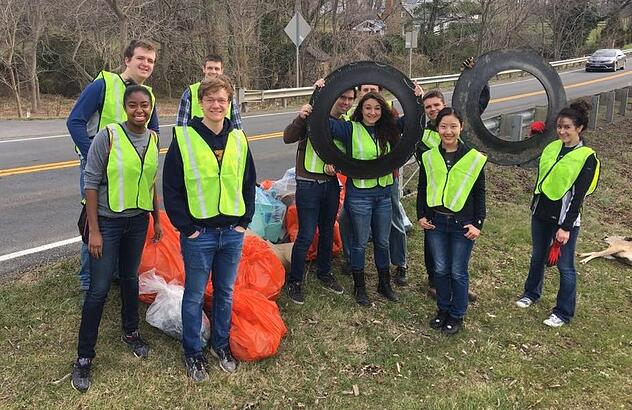 Patrick Henry College (PHC) student volunteers at Purcellville Town-Wide Cleanup Day