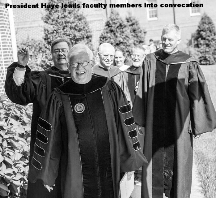 President Haye leads faculty into convocation