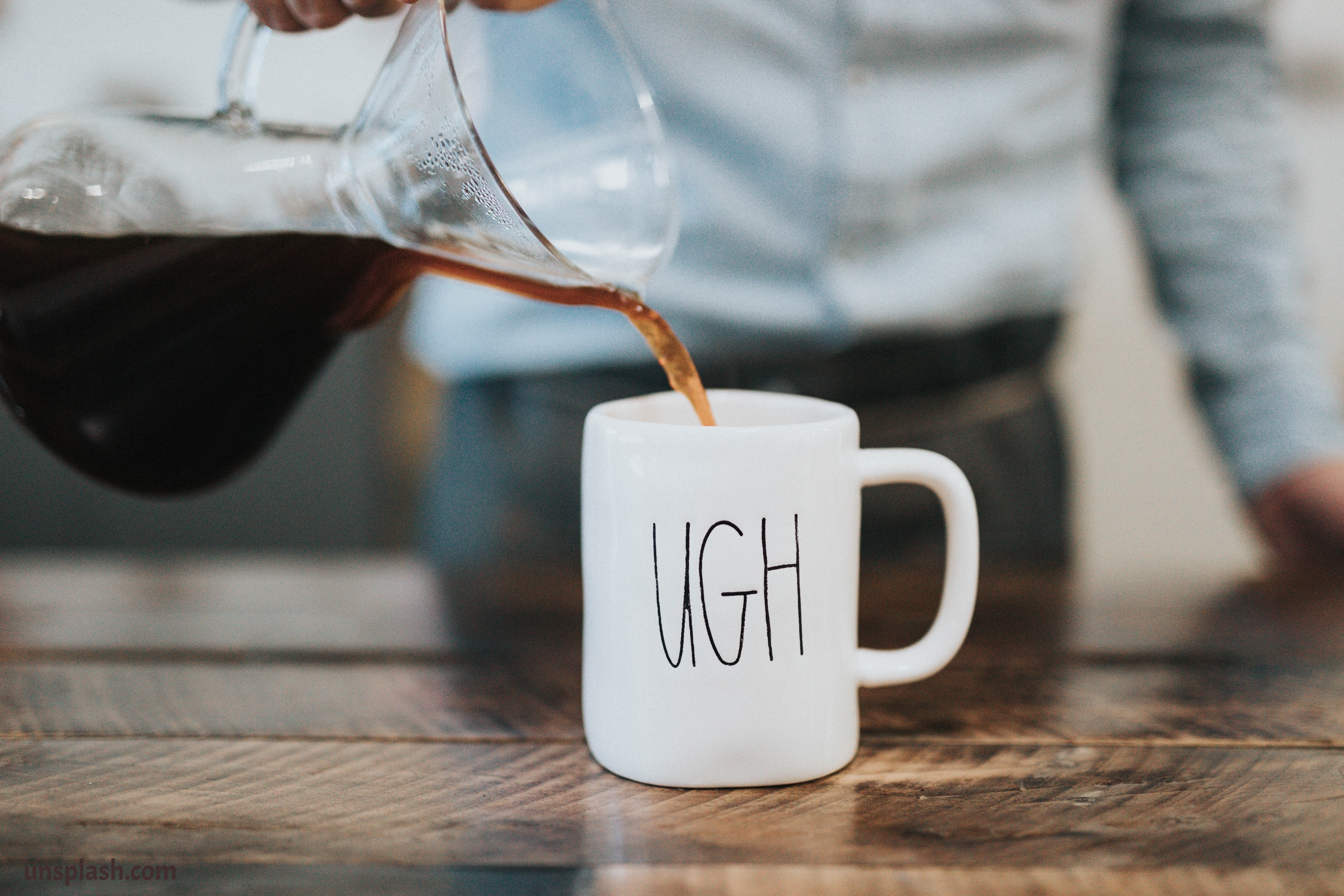 coffee-mug-cutting-coffee
