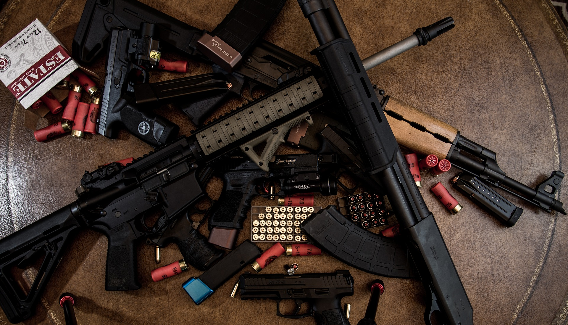 weapons-3417507_1920